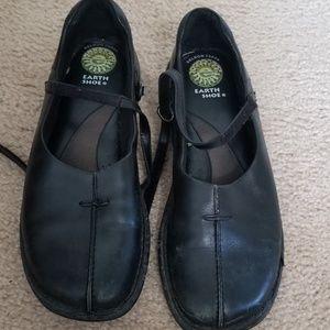 Earth Shoe Black Flats 8.5